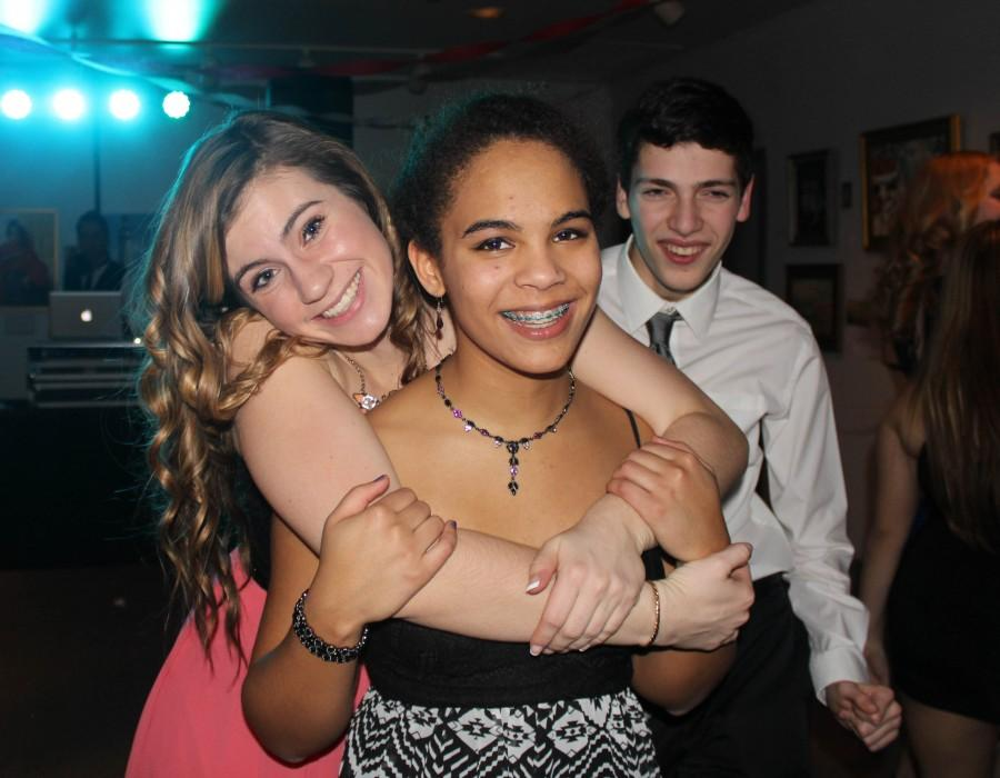 Sophomores enjoy the Underclassman Dance